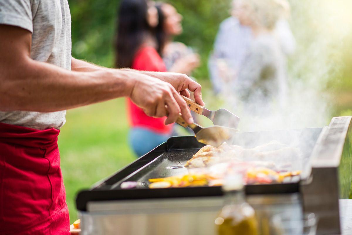 Barbecue-ou-plancha-comment-bien-choisir-sa-viande---Maison-Boudet
